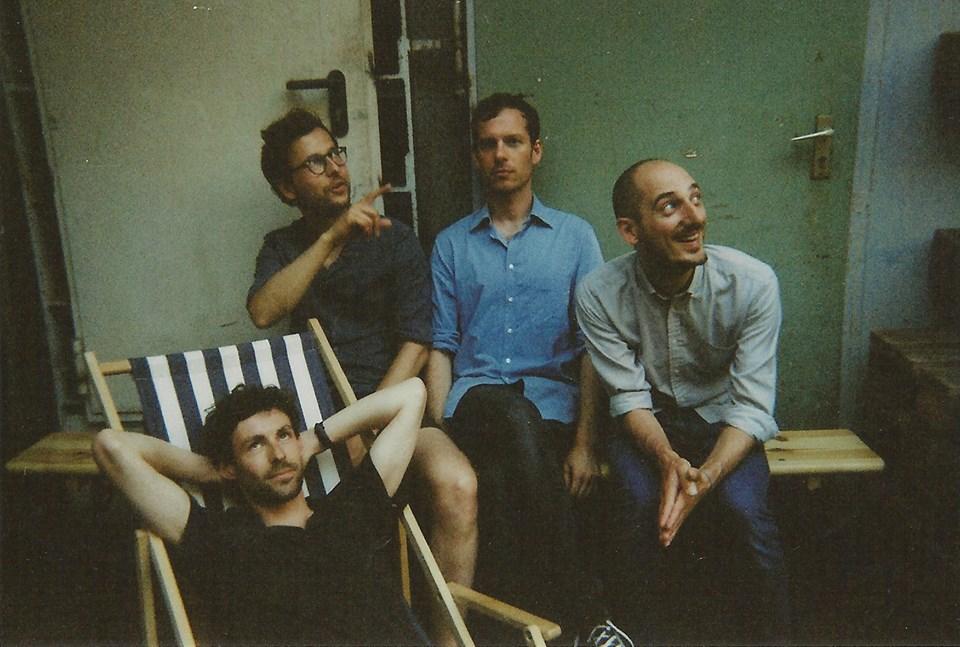 Naive Set band
